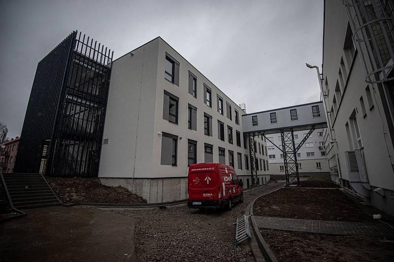 Realizace aspirující na titul Stavba MSK 2020. Nový pavilon Karvinské hornické nemocnice.