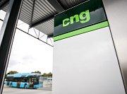 CNG stanice slouží k plnění aut stlačeným zemním plynem. Ilustrační foto.