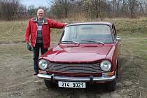 Velkou láskou Alexandra Kočího jsou historická vozidla.