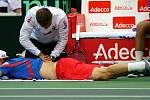 Tomáš Berdych si nechal namasírovat záda.