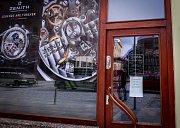 Vloupání do luxusního hodinářství v centru Ostravy prošetřují od pondělí ostravští policisté.