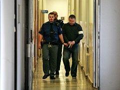 Pavel Pekárek byl nakonec za pokus o vraždu odsouzen k sedmi a půl roku vězení.