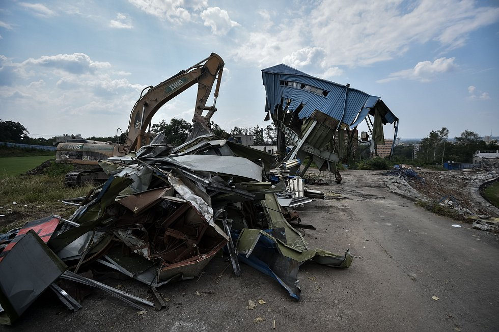 Demolice stadionu Bazaly, 23. července 2018 v Ostravě.