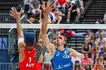 FIVB Světové série v plážovém volejbalu J&T Banka Ostrava Beach Open, 1. června 2019 v Ostravě. Na snímku (zleva) Martin Ermacora (AUT), Ondrej Perusic (CZE).