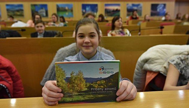 Na knížkách pro Moravskoslezský kraj se podílely děti.