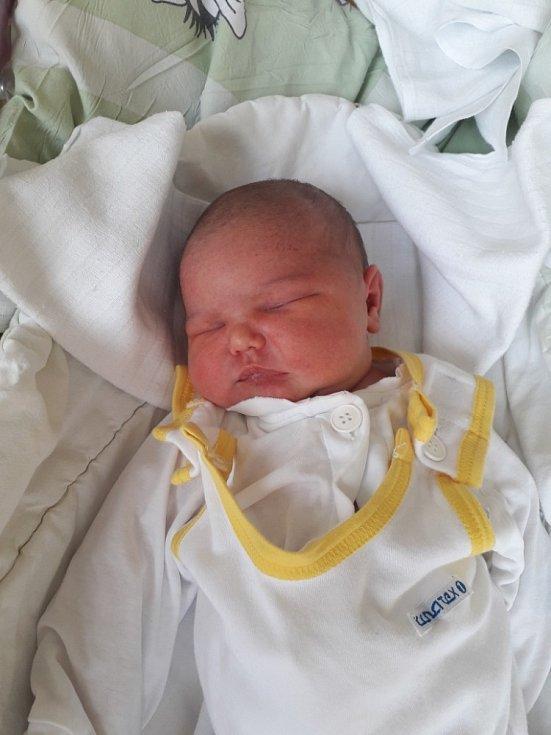 Sofie Becková z Horních Bludovic, narozena 19. dubna 2021 v Havířově, míra 53 cm, váha 3970 g. Foto: Michaela Blahová