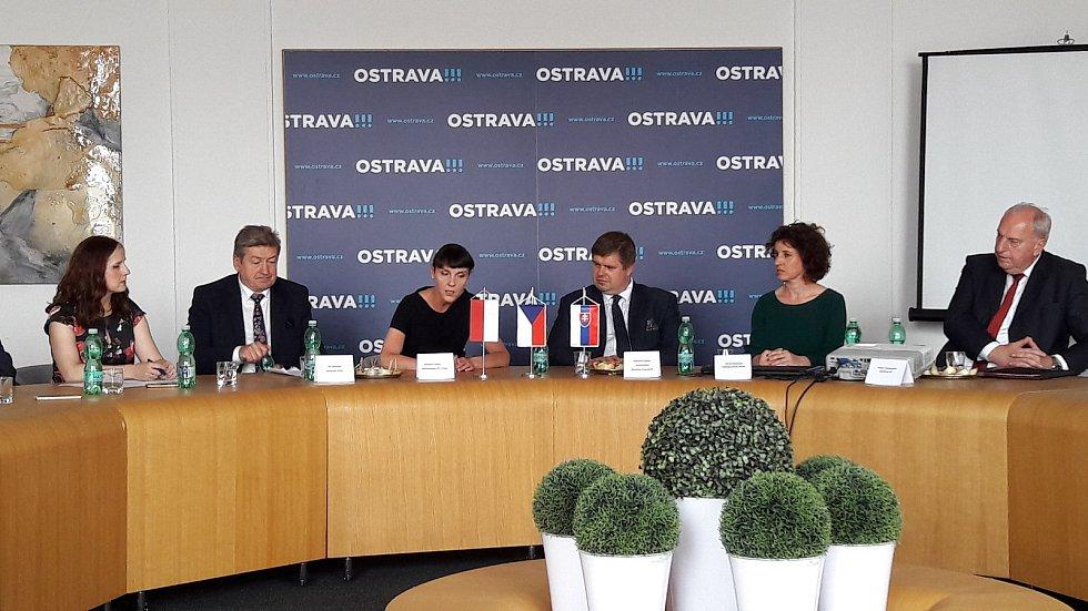 V Ostravě na 25. Setkání podnikatelů z Česka, Polska a Slovenska se debatovalo mj. jak získat z EU peníze na restrukturalizace uhelných regionů
