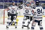 Utkání 51. kola hokejové extraligy: HC Vítkovice Ridera - HC Energie Karlovy Vary, 3. března 2020 v Ostravě. Zleva Jan Hruška z Vítkovic, Peter Šišovský z Vítkovic a Jan Schleiss z Vítkovic.