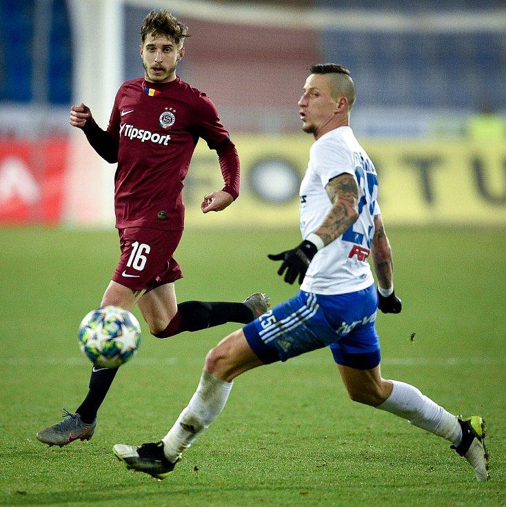 Utkání 20. kola první fotbalové ligy: Baník Ostrava - Sparta Praha, 14. prosince 2019 v Ostravě. Na snímku (zleva) Michal Sáček a Jiří Fleišman.