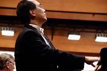 Klavírista Derek Han