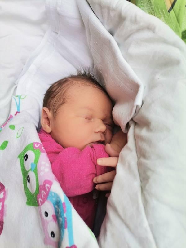 Nina Čomová, Ostrava, narozena 20.9.2021, míra 50 cm, váha 3940 g. Foto: Michaela Blahová
