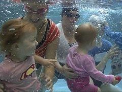 Přístav dětství s programy Baby clubu Kenny maminky s malými dětmi dobře znají. Již řadu let se věnuje nejen kojeneckému plavání, ale i organizaci volného času na podporu zdravého a všestranného vývoje dítěte.
