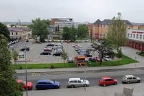 Ostrava chce naproti své městské nemocnici nechat postavit parkovací dům. Ten by měl vyřešit problém s nedostatkem parkovacích stání nejen pro nemocnici, ale také pro okolí.