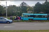 Nehoda tramvaje a osobního automobilu na Martinovské ulici v Ostravě 20. září 2019.