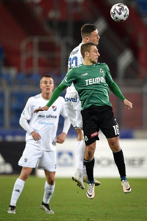 Utkání 22. kola první fotbalové ligy: Baník Ostrava - FK Jablonec, 24. února 2020 v Ostravě. Zleva Roman Potočný z Ostravy a Jan Krob z Jablonce.