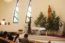 Uctít památku obětí tramvajové nehody přišla v pátek 23. května  2008 asi stovka lidí. Zúčastnili se ekumenické bohoslužby v kostele svatého Antonína Paduánského ve Vřesině, nedaleko místa, kde k čelní srážce tramvají před šesti týdny došlo.
