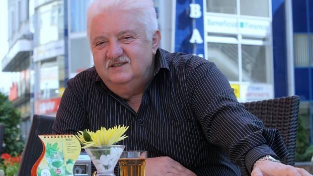 Marián Labuda  už na festivalu Bez hranic účinkoval. V jednání je jeho hostování i v letošním roce, také hraje v nejnovější Havlově hře.
