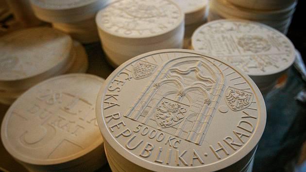 Pamětní mince a medaile.