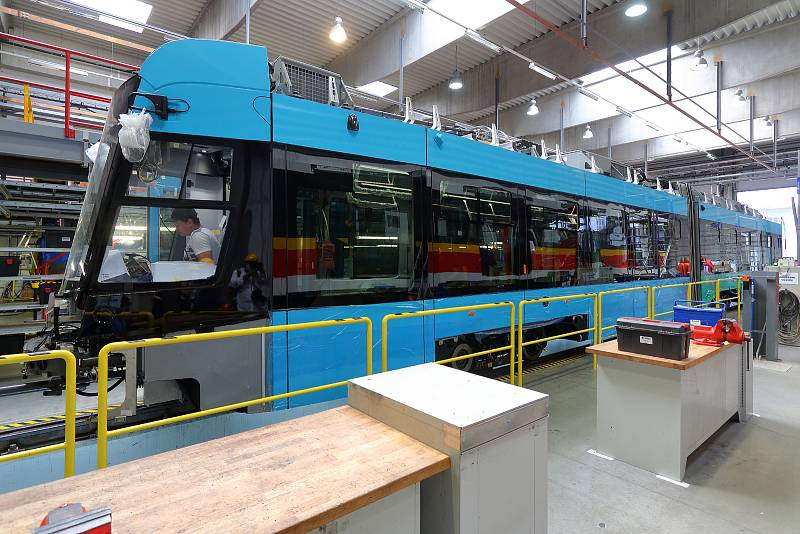 Výroba tramvají pro Ostravu probíhá v plzeňské Škodě Transportation. Vozy typu Škoda 39 T jsou plně klimatizované, vybavené Wi-Fi připojením, USB porty, protivandalskými polepy a kamerovým systémem. Hodnota kontraktu na 40 vozů je 1,9 mld. korun.
