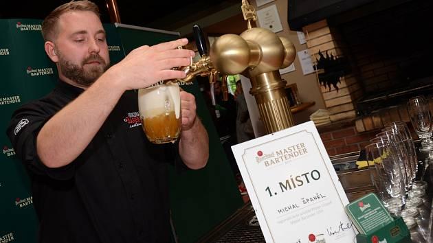 Michal Španěl z ostravské restaurace Original Baseball Restaurant Arrow se stal nejlepším výčepním v Ostravě.