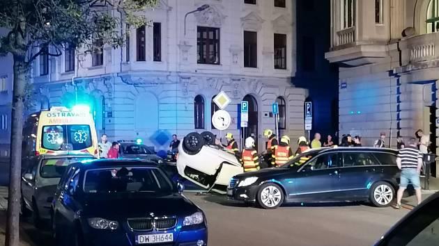 Večerní nehoda v centru Ostravy.