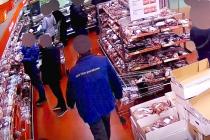 Muž v Ostravě kradl maso. Snímek z případu.
