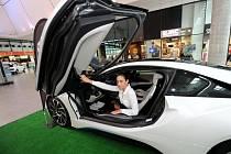 V ostravském OC Forum Nová Karolina odstartovala výstava zaměřená na elektromobilitu.