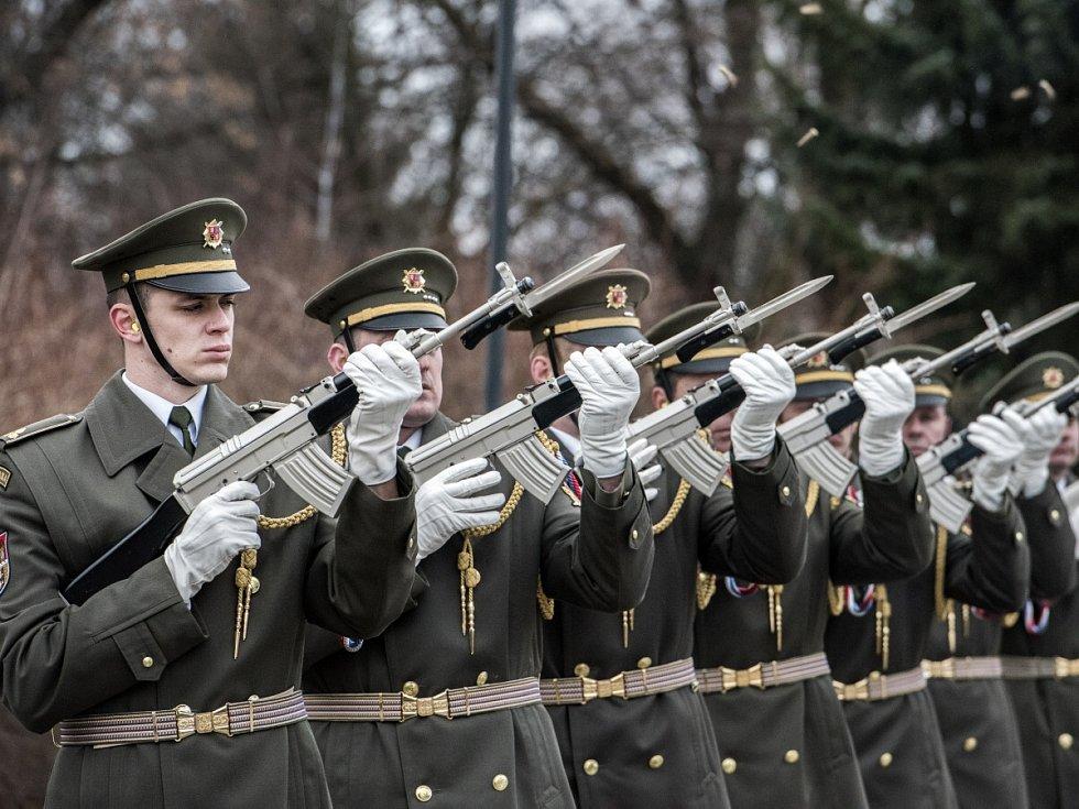 Poslední rozloučení s jedním z nejvýznamnějších veteránů 2. světové války Mikulášem Končickým v Ostravě.