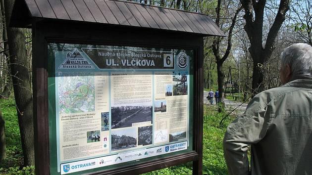 Naučnou stezku Slezskou Ostravou, která zavede návštěvníky k jednomu z nejtajemnějších míst Ostravy - haldě Ema, letos otevřel Klub českých turistů, oblast Moravskoslezská.