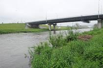 Hladiny řeky Odry v Koblově. Situace 3. června 2013.