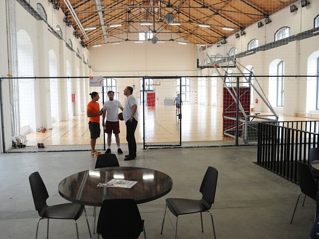 V Trojhalí jsou nová veřejná sportoviště.