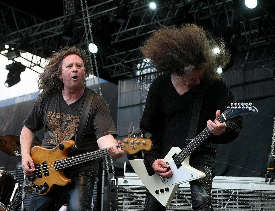 Scorpions se při svém posledním turné loučí s fanoušky. Na ostravských Bazalech světovou legendu doprovodila česká legendární kapela Citron (na snímku).