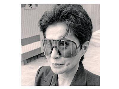Yoko Ono zachycena objektivem Wolfganga Trägera.