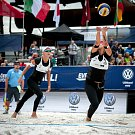 Turnaj Světového okruhu v plážovém volejbalu - zápasy o postup do osmifinále, 22. června 2018 v Ostravě. Na snímku (zprava) Barbora Hermannová a Markéta Sluková.