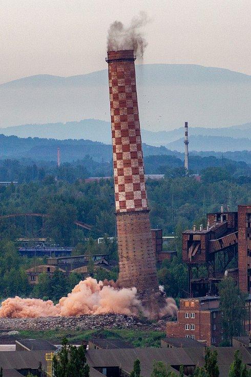 Odstřel ostravského komínu Strakáč, 3 srpna 2019 v Ostravě.