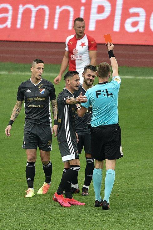 Utkání 29. kola první fotbalové ligy: FC Baník Ostrava - SK Slavia Praha, 10. června 2020 v Ostravě. Červená karta pro Milan Jirásek z Ostravy.