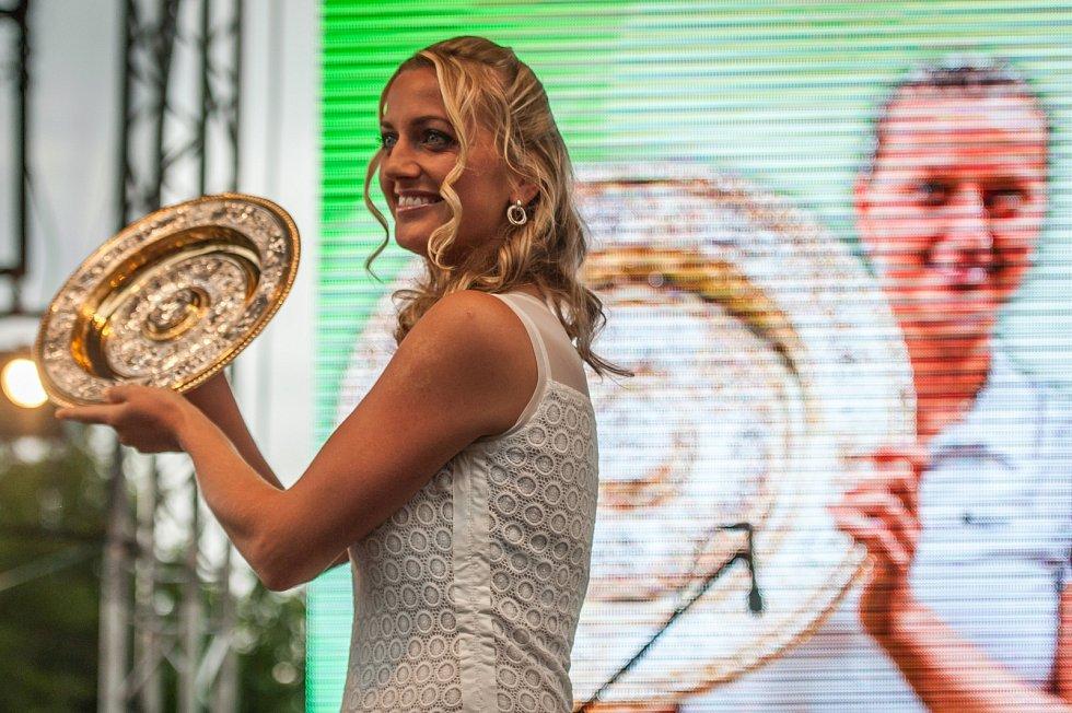Petra Kvitová ve Fulneku, července 2014, oslava titulu ve Wimbledonu.