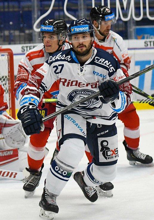 HC Vítkovice Ridera – HC Olomouc 1:2 v prodloužení, přípravný zápas v Ostravě, 10. září 2020. Domácí útočník Rastislav Dej (číslo 27).