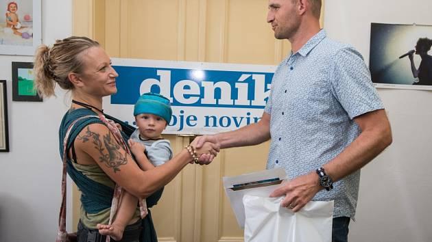 LENKA JAMNICKÁ, která se umístila v Kočce léta třetí, získala vstupenku pro dvě osoby do relaxačního centra Wellness Horal Velké Karlovice.