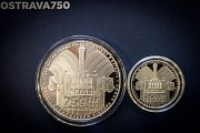 Tyto pamětní medaile nechalo vyrobit město Ostrava k celoročním oslavám 750. výročí od první písemné zmínky.