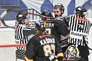 26. kolo hokejové extraligy: HC Vítkovice Ridera - HC Litvínov,  9. prosince 2018 v Ostravě. Na snímku (vpravo) Roman Szturc.