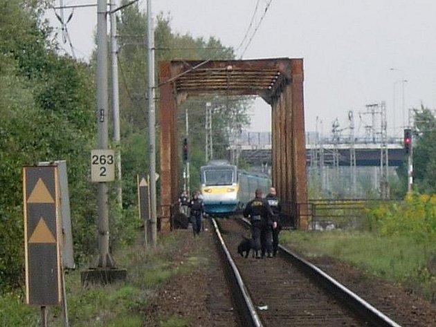 Policie prošetřují smrt ženy, kterou 5. září mezi stanicemi Ostrava-Svinov a Ostrava hlavní nádraží srazila souprava Pendolino.