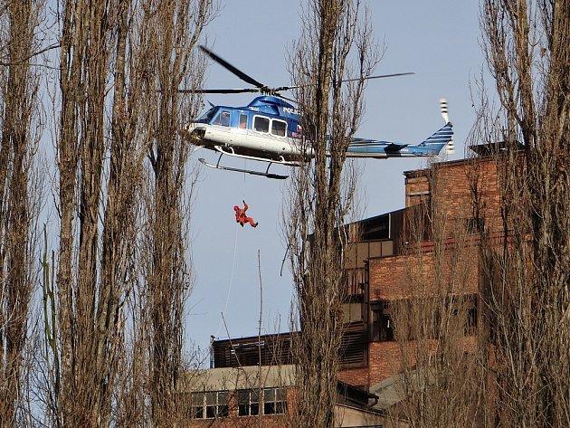Snímky z dvoudenního cvičení moravskoslezských hasičů v Ostravě.