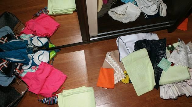 Zloděj v domech zanechával spoušť. Naštěstí po něm zůstaly také otisky bot, které ho pomohly usvědčit.