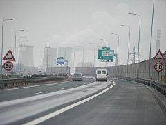TANKODROM, NEBO HOPSANDA? Řidiči ostravskou dálnici nazývají různě. Ilustrační foto.