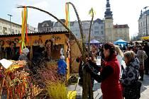Velikonoční trhy na Masarykově náměstí v centru Ostravy.