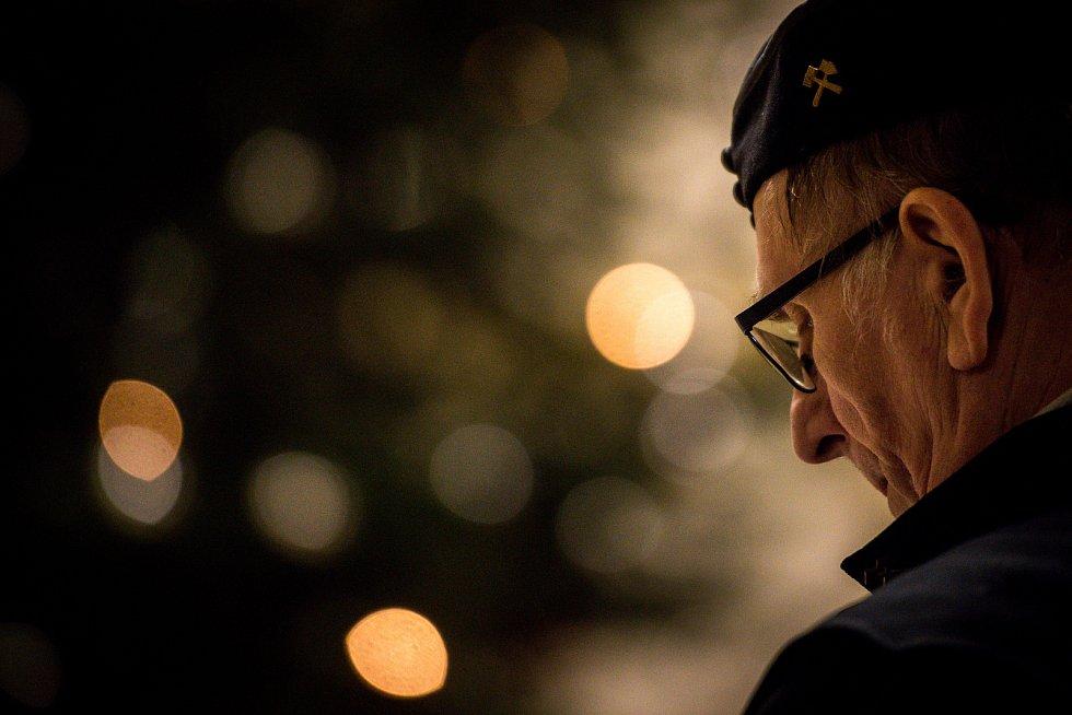 Půlnoční pontifikální mše sv. v katedrála Božského Spasitele, 24. prosince 2018 v Ostravě. Na snímku horník, uctění památky tragédie ze dne 20. prosince 2018 kdy v dole ČSM zahynulo 13 horníků.