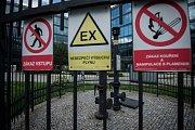Odplyňovací, metanové komínky v Ostravě.
