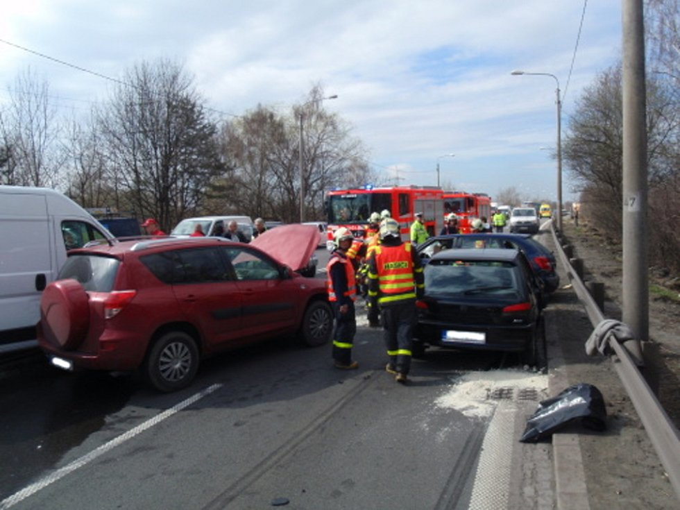 Hromadná nehoda na Rudné ulici v Ostravě