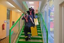 Zásah hasičů v zatopené školce v Ostravě-Hrabůvce.